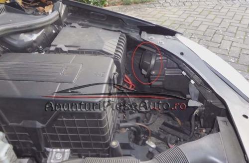 Schimba bec ars din far VW Golf 5