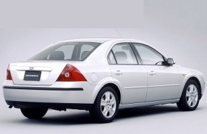Cat ulei intra in motorul si baie Ford Mondeo 200-2007