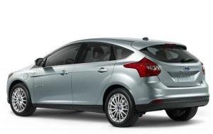 Cat ulei intra in motorul si baie Ford Focus 3 2011-2014