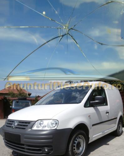 Inlocuieste parbriz spart Volkswagen Caddy