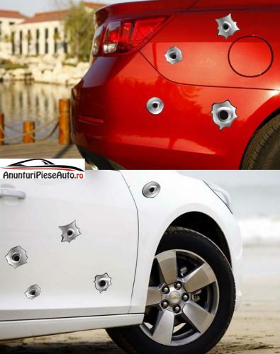 Sticker auto cu gauri de gloante