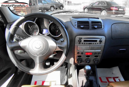 Fotografii interior bord Alfa Romeo 147
