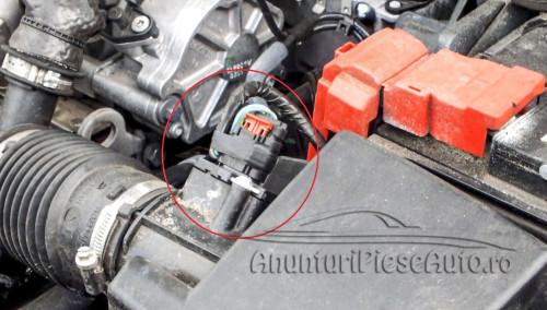 Schimba filtru aer Ford Fiesta